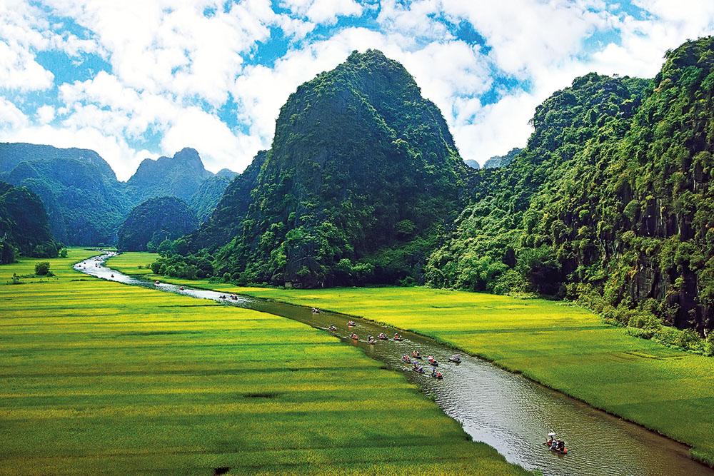 Ninh Binh Vietnam tours - Interasia Travel :: Travel Exotic Asia with Us